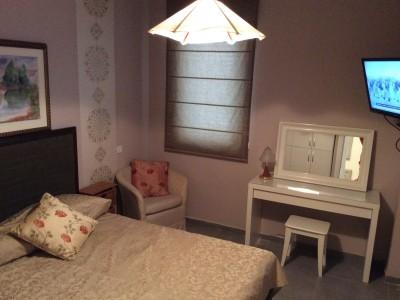 Комфортабельная пятикомнатная квартира в центре Нетании