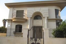 Великолепная двухэтажная вилла в центре Нетании