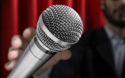 Шалом Асаяг в стенд-ап шоу в Нетании