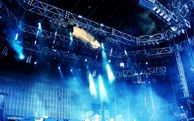 Танцевальный дуэт «Mayumana» и «Spirit of the Dance» на сцене Нетании
