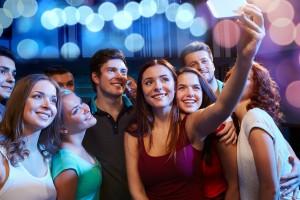 В клубе можно встретить новых друзей и прекрасно провести время