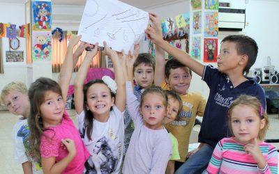 В Нетании! «Академия интеллекта»: дети учатся у настоящих Знатоков