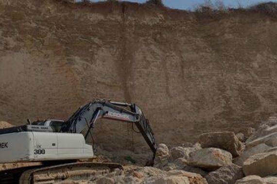 Начало работ по укреплению берега в Эмек Хефер
