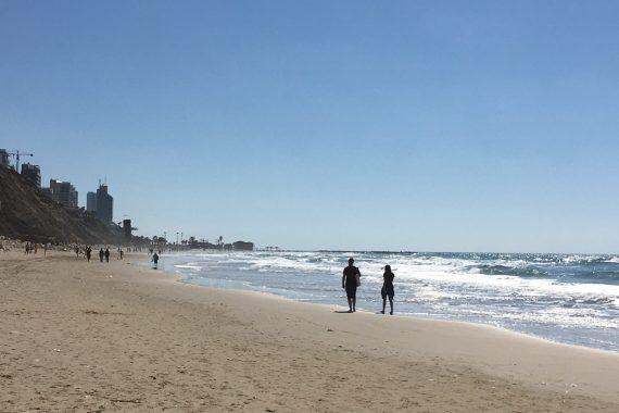 Мэр Нетании отказывется от обслуживания пляжей